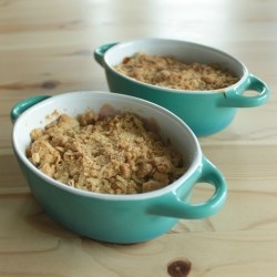 Mango-Rhubarb-Crumble | Food to Crave - Deserts | Pinterest