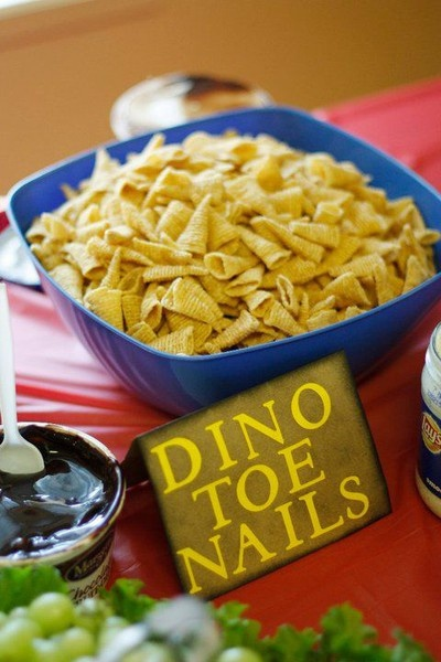 dinosaur birthday party snacks  party ideas!  Pinterest