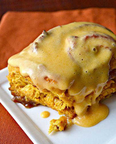 pumpkin cinnamon rolls with pumpkin cream cheese icing (vegan)