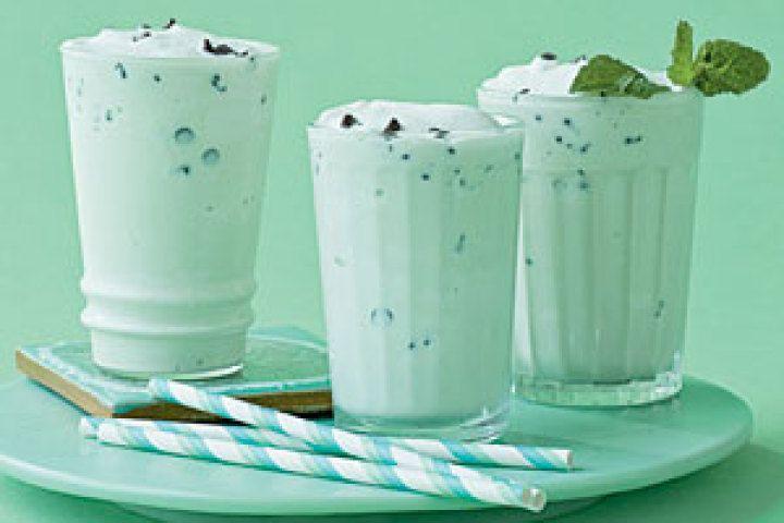 mint Milkshake Recipe   mint chocolate chip shake 1 1 1 1 1 yum 99    Mint Chocolate Chip Milkshake