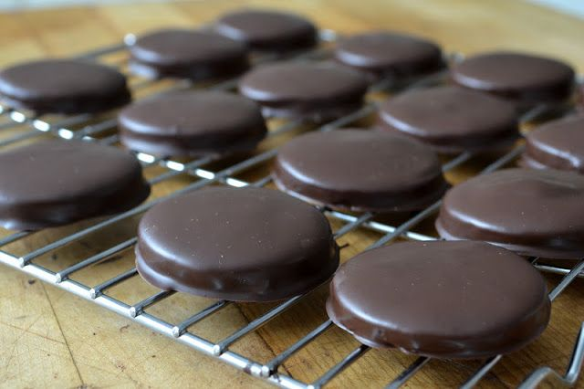 Homemade thin mints - so easy! Butter, cocoa powder, sugar, vanilla ...