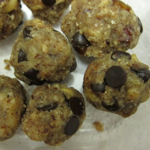 Chocolate Chip Cookie Dough Balls. Raw, vegan, and kosher for Passover ...
