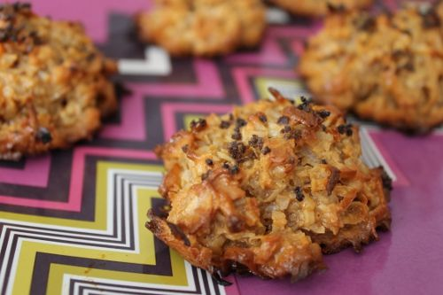 Dulce de Leche Coconut Macaroons with Espresso Salt. Yes, yes, yes.