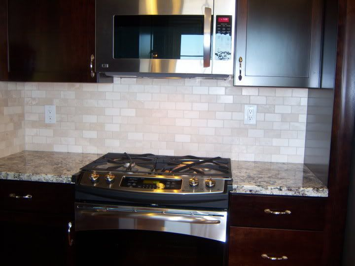 Distance Between Countertop And Stove : off white subway tile backsplash Anyone tired of their white subway ...