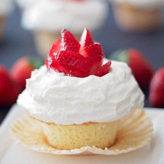 Strawberry Shortcake Cupcakes With Balsamic Whipped Cream ...