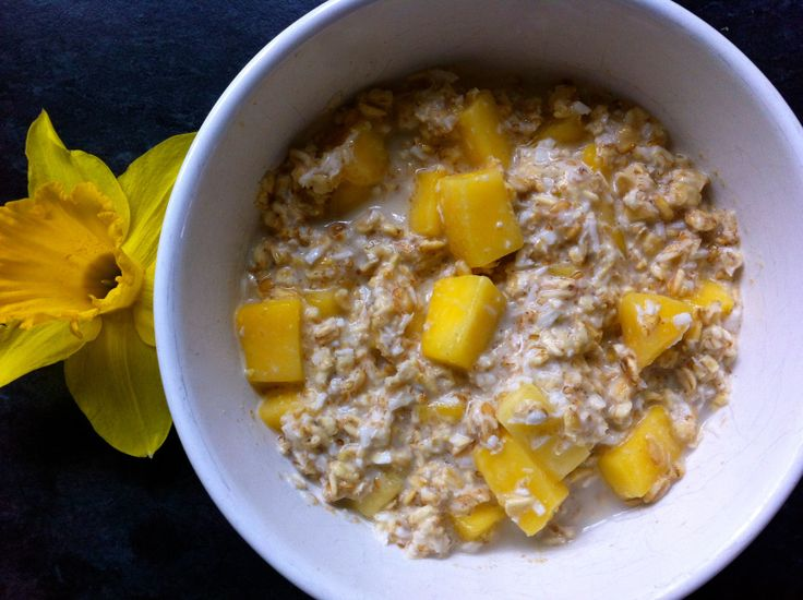 Mango Coconut Overnight Oats | Oatmeal | Pinterest