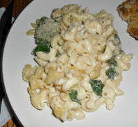 Hezzi-D's Books and Cooks: Lighter Baked Macaroni and Cheese