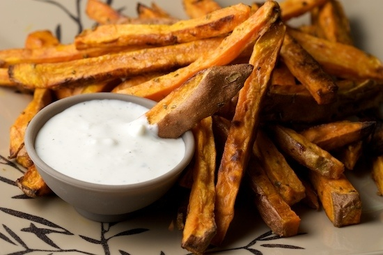 Rosemary Garlic Sweet Potato Fries | lets try this | Pinterest