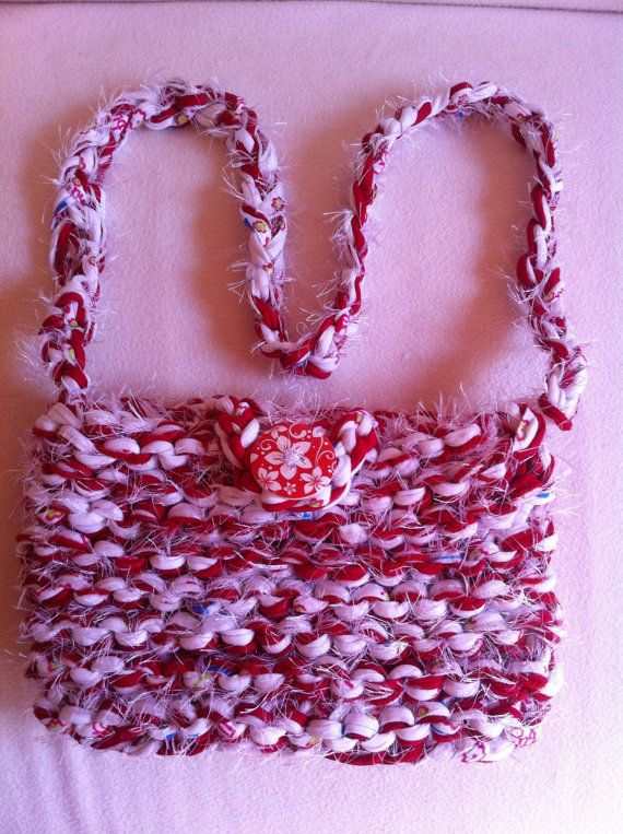 Yarn Bag Pattern : Easy t-shirt yarn shoulder bag Knitting pattern by LoopsandLavender ...