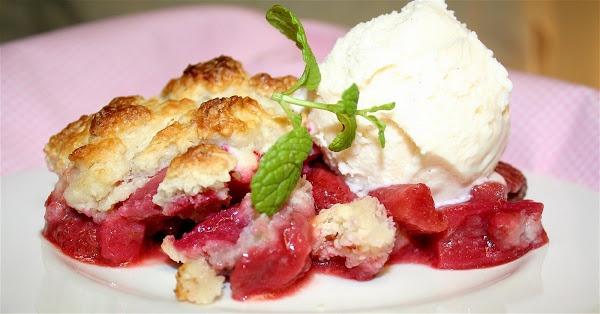 Strawberry-Rhubarb Cobbler