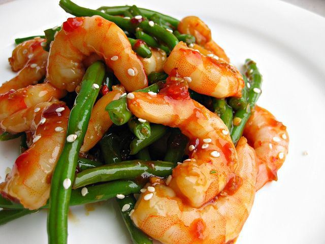 Shrimp with Spicy Garlic Sauce - steam shrimp & green beans