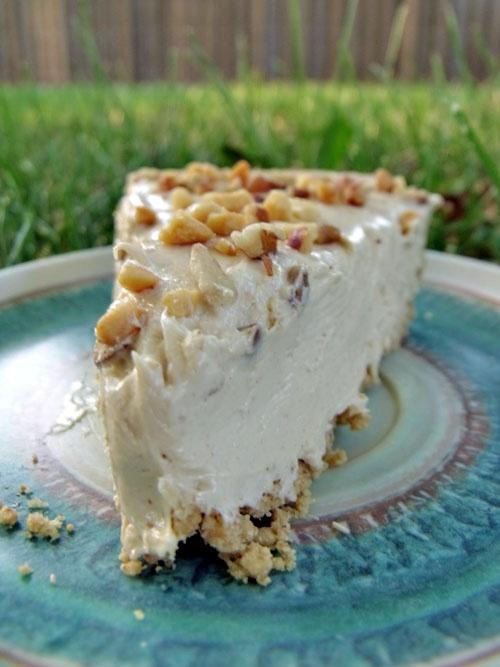 Creamy Peanut Butter Pie by Pretty Peas | Yummies | Pinterest