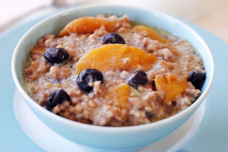 peach & blueberry oatmeal in crockpot- says it makes 6 servings- try ...