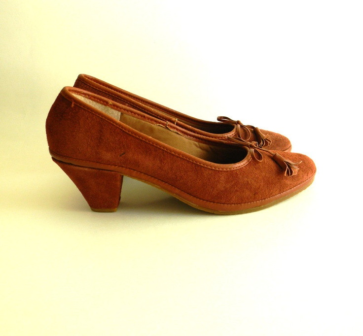 Vintage Shoes, Suede Leather 1970s Thom McAn Shoes