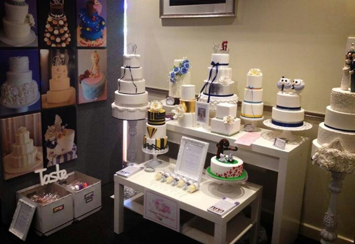 Exposition Cake Design : Wedding expo cake stand booth ideas Pinterest