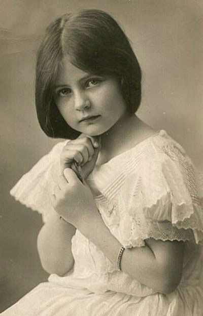 +~+~ Vintage Photograph ~+~+ Young girl in pretty white dress.