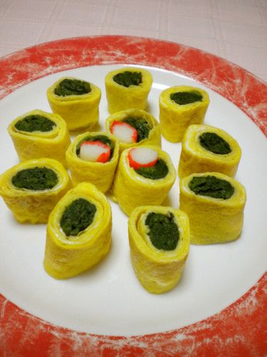 Rolled Omelette with Seasoned Spinach -- 3 eggs