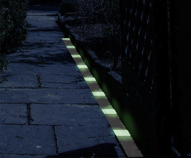 glow dark exterior paint glow in the dark path markers 20. Black Bedroom Furniture Sets. Home Design Ideas
