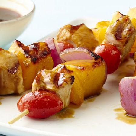 PALEO GLUTEN-FREE HAWAIIAN CHICKEN KABOBS. Meat only 1 skewer, fruit ...