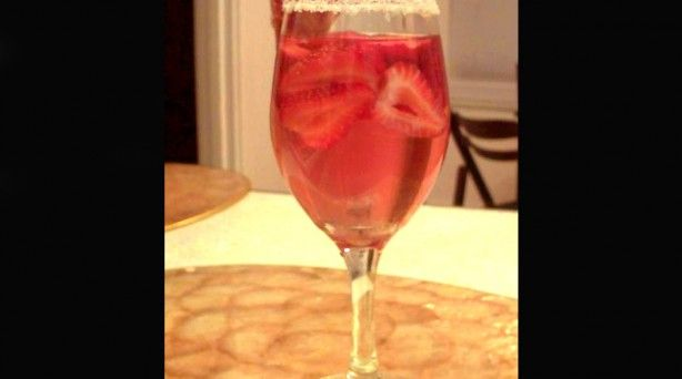 white zin-ful strawberry cooler 2 | Drinks | Pinterest