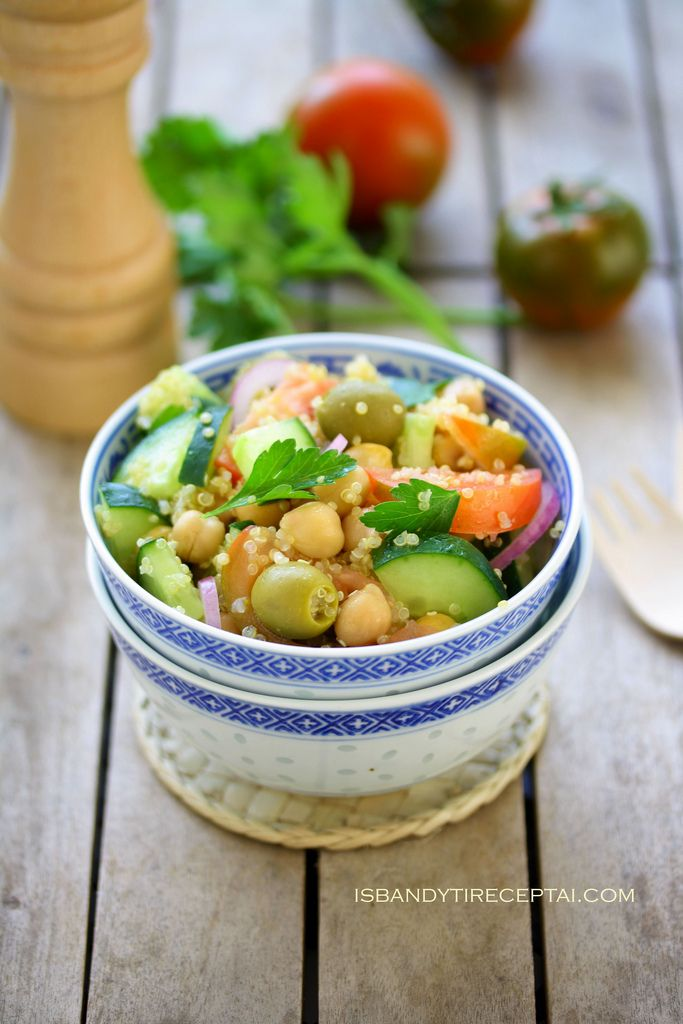 Quinoa and chickpea salad | Delicious Food | Pinterest