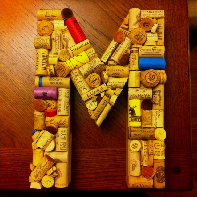 Family letter made out of wine corks crafts and things for Cool things to do with wine corks