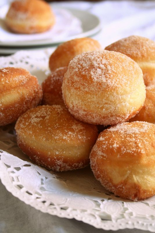 beignets - the recipe is in French so I can't read it but you can be ...