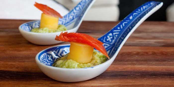 ... Happy: Smoked Salmon and Mango on Avocado Mousse Appetizer » Gozamos