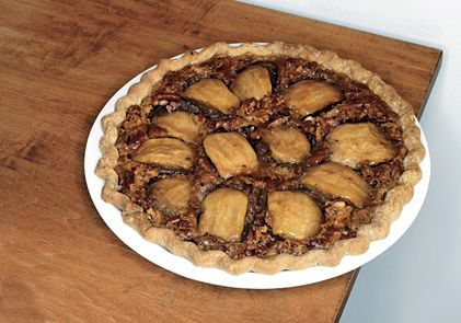Caramelized-Apple and Pecan Pie. this pie is super ugly, i would ...