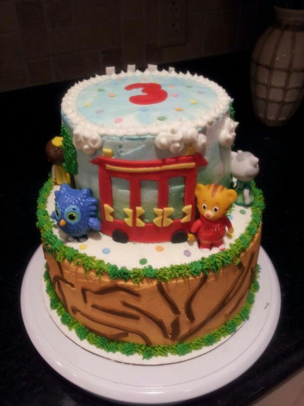 daniel tiger cakes