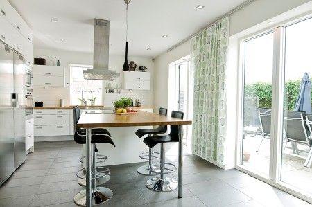 Interesante Barra-mesa de cocina.