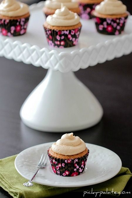 Biscoff Cupcakes with Biscoff Buttercream - need to buy biscoff spread ...