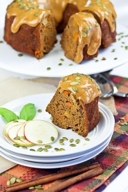 ... Too Healthy Thanksgiving Dessert: Spicy Pumpkin and Apple Bundt Cake