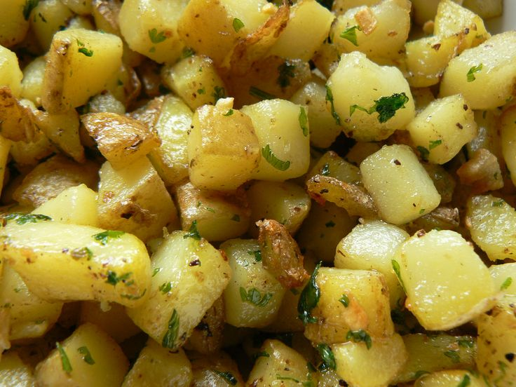 potatoes roasted new potatoes with red onion garlic and pancetta ...