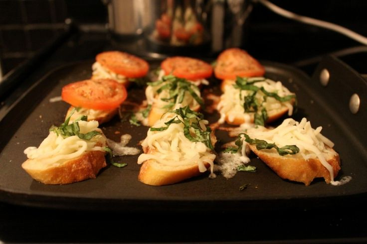 Mini Caprese Grilled Cheese Sandwiches on http://www.homesweetjones ...