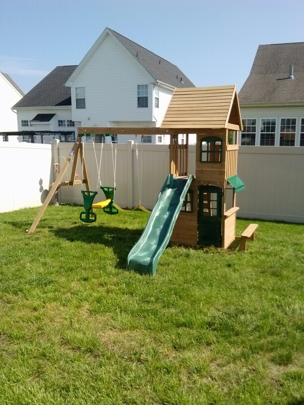 Big Backyard Windale : Big Backyard Windale Playsets from Toys R Us installed in Mullica Hill