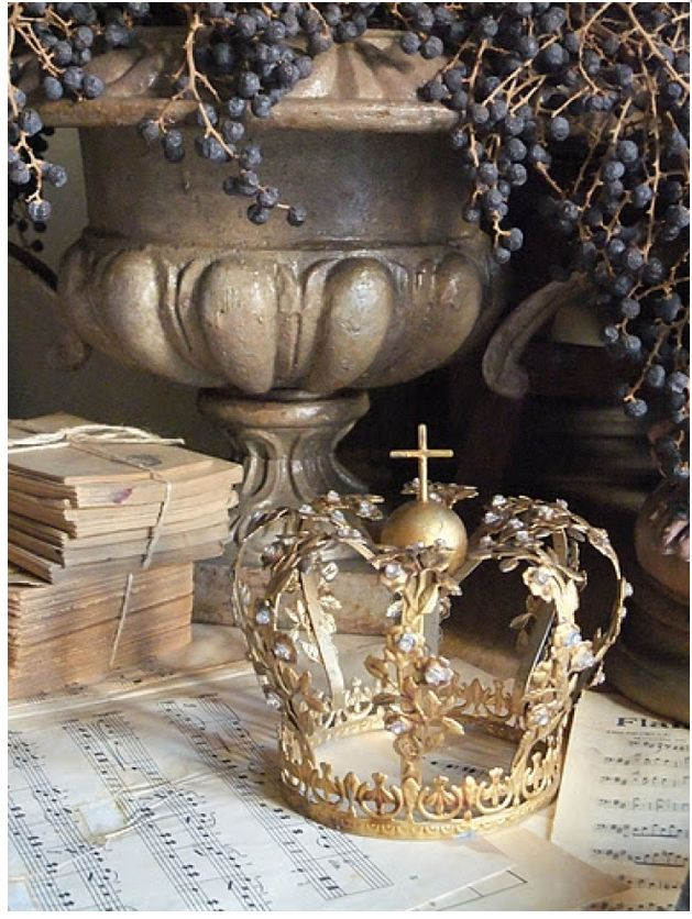 French decorative crown