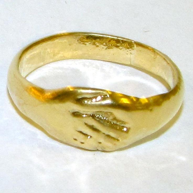 Gold Roman Wedding Ring Jewels Gems Things Inbetween Pinterest