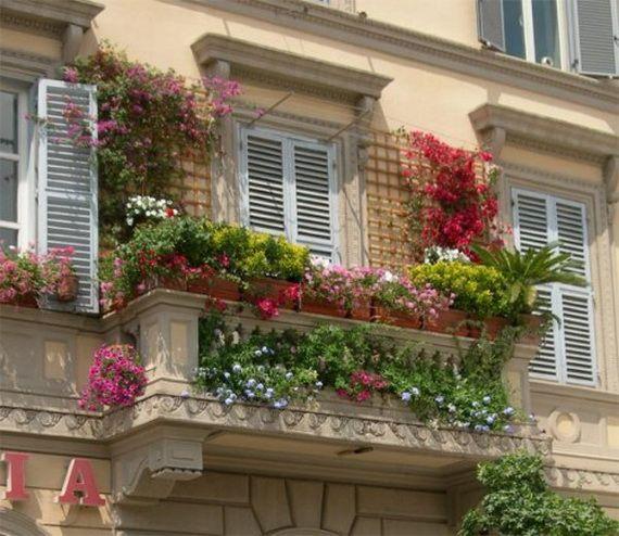 Balcony container garden beautiful gardens pinterest - Decoracion de balcones pequenos ...