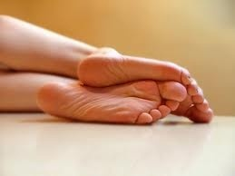 How to Cure Sweaty Feet. In the morning, after your feet are freshly washed, spray at least 3 sprays on each foot. Massage the product in between your toes and make sure that the bottoms, toes, heels and tops of each foot get coated with product.  http://www.amazon.com/gp/product/B002LCSJKS/?ref=as_li_ss_tl?ie=UTF8%3D1789%3D390957%3DB002LCSJKS%3Das2%3Dbizelellcom0e-20 $24.95