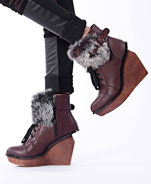 Wedge Shoe Boots with Cony Hair Detail