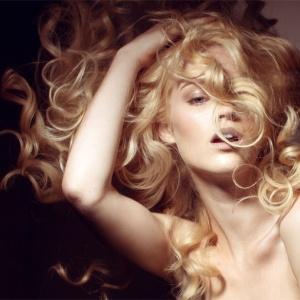 Makeup Artist Websites on The Website Of New York City Makeup Artist Belinda Keatts       War P