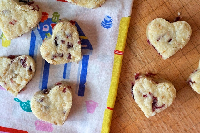 dried cranberry shortbread hearts | Food for Thought | Pinterest
