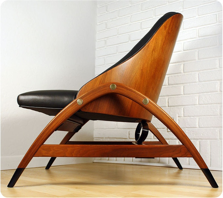 Vintage plywood lounge chair mid century danish modern for Mid century danish modern chair