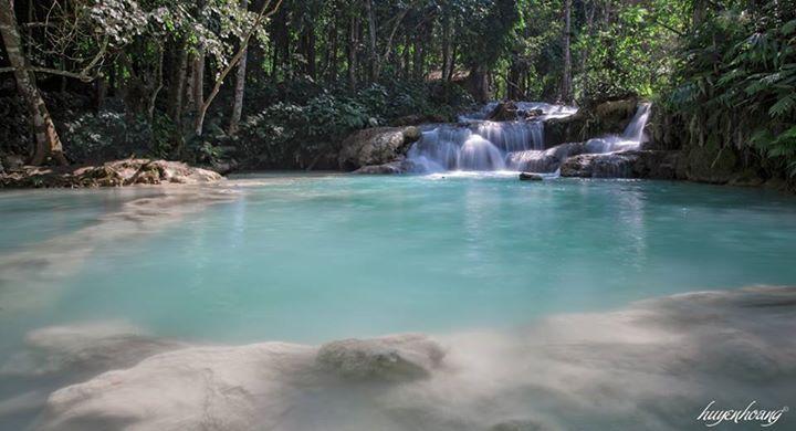 Bạn có thể đến cắm trại và tắm tại thác Kuang Si
