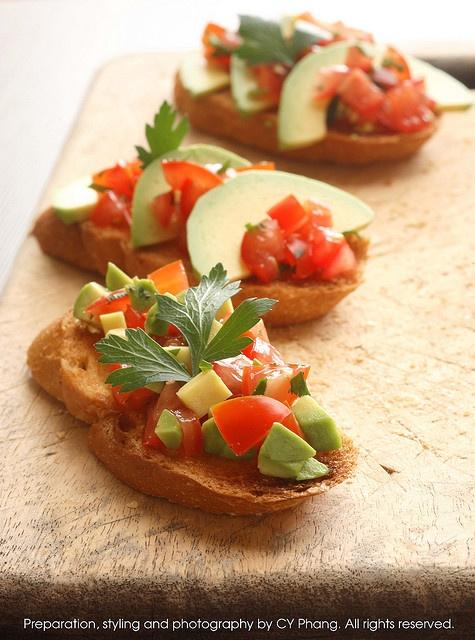 avocado bruschetta | Foodie | Pinterest