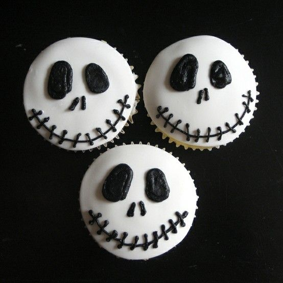 halloween cupcakes black and white