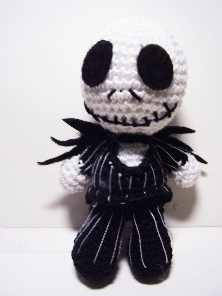 Jack Skellington Doll Knitting Pattern : Pin by Anxo Cunningham on Amigurumi characters Pinterest