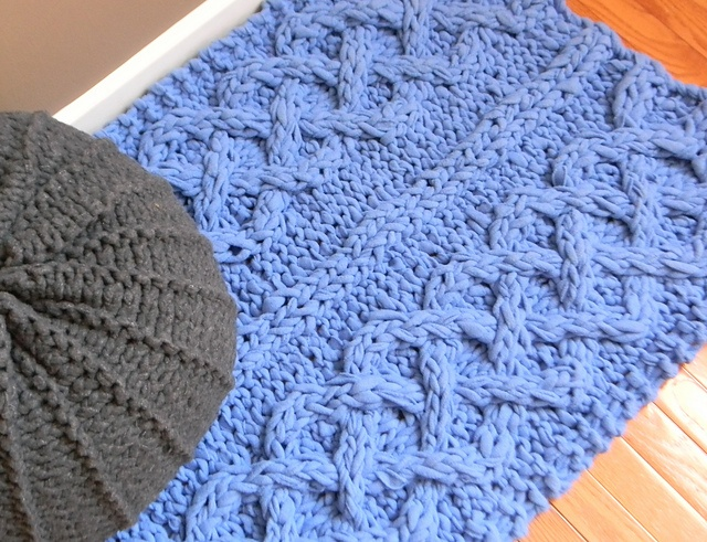 Big Chunky Cable Knit Rug pattern by Theresa Boyce
