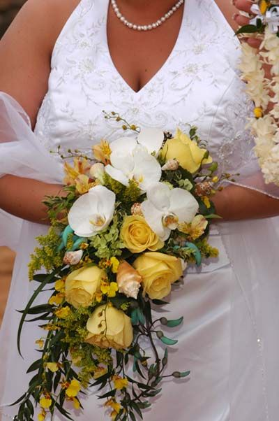 Weddings Maui Wedding Florists Bouquets Leis And Assorted Flowers